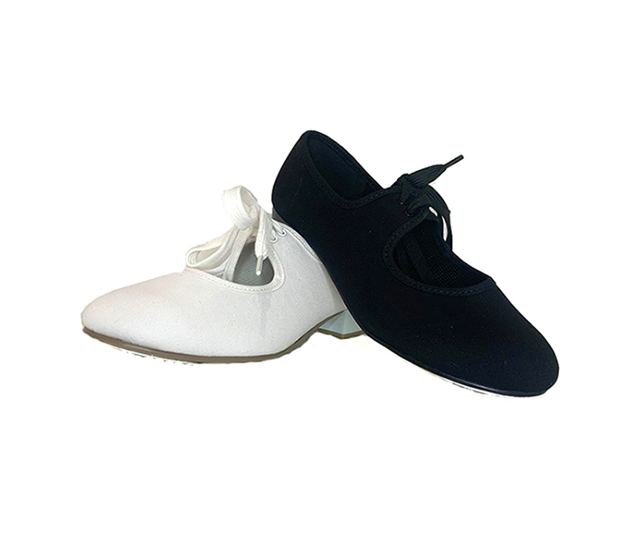 Tap Shoe in Canvas with low heel. Ideal